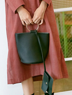 Ring buckle lether bag_K (size : one)