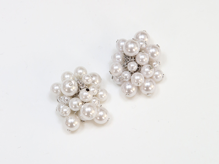 [JEWELRY] PARTY WHITE EARRINGS