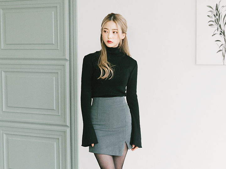 [TOP] WIDE SLEEVE HIGH NECK KNIT