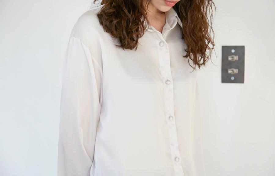 Satin soft feminine blouse_H (size : free)