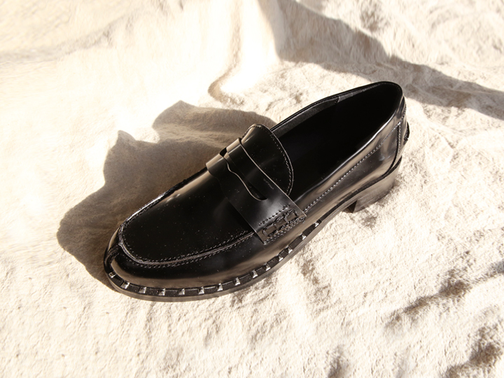[SHOES] STUD CLASSY LOAFER
