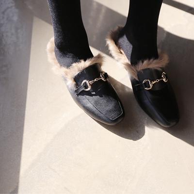 쥬피 토끼털 블로퍼 (따뜻한 느낌의 리얼토끼털로 멋스럽게!)