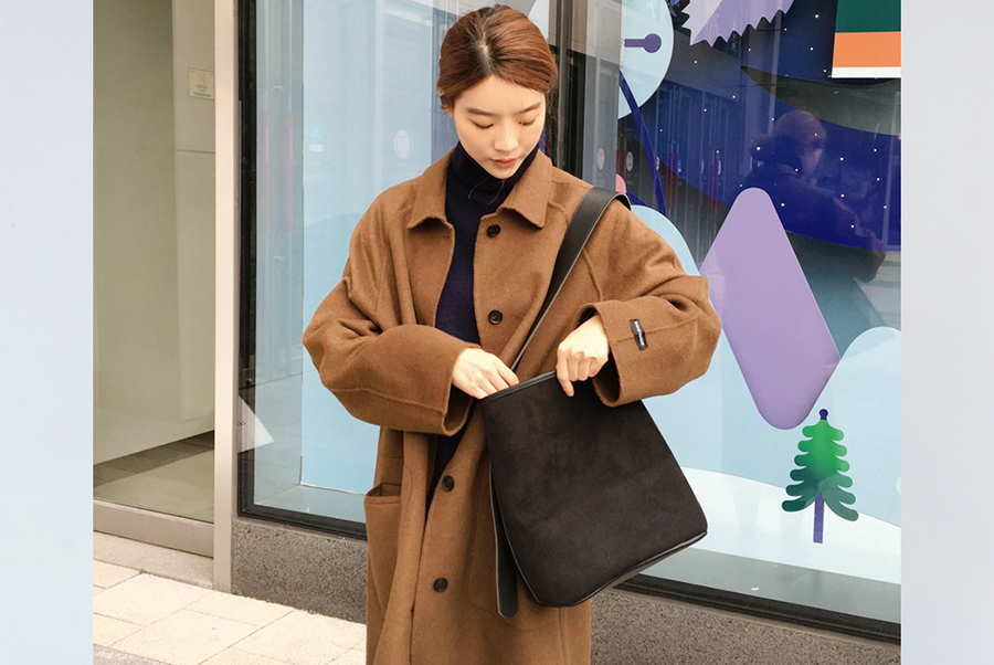 Suede single bag_H (size : one)