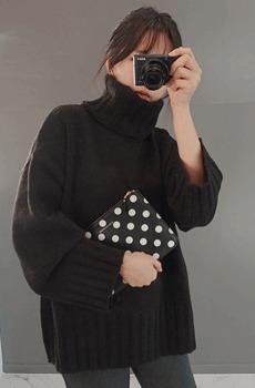 selfie-루즈폴라니트