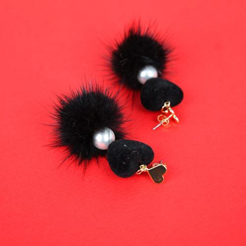 하트 폼폼 드롭 귀걸이 (acc410)