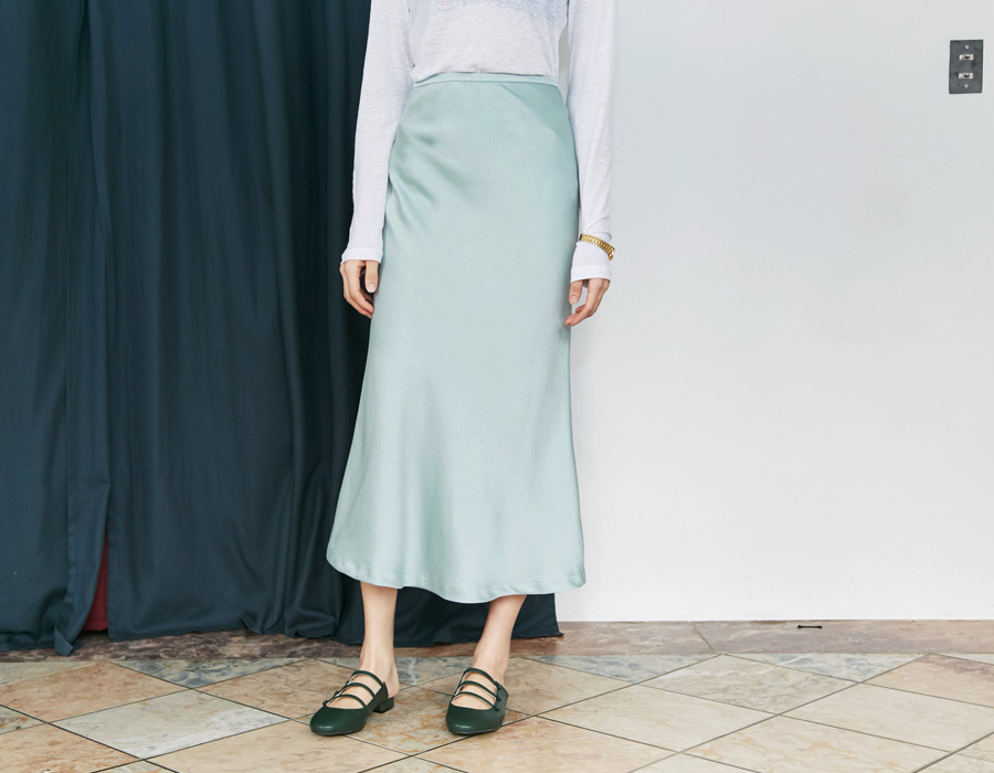 Satin flare long skirt_M (size : S,M)