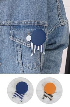 Custom-brooch