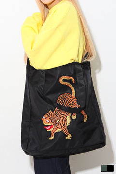 King Tigers Cross Bag