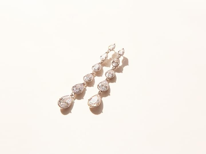 5 CRYSTAL DROP EARRING