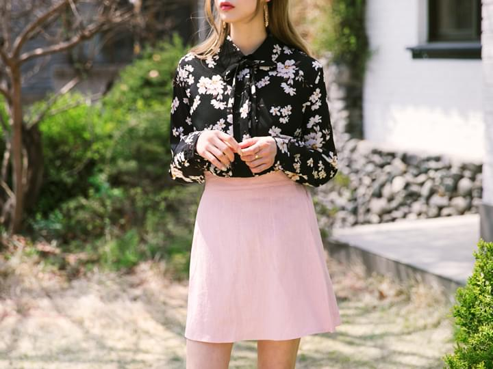 FLORAL RIBBON POINT BLOUSE - 3 TYPE