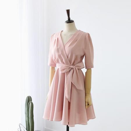 Ribbon wrap flare dress