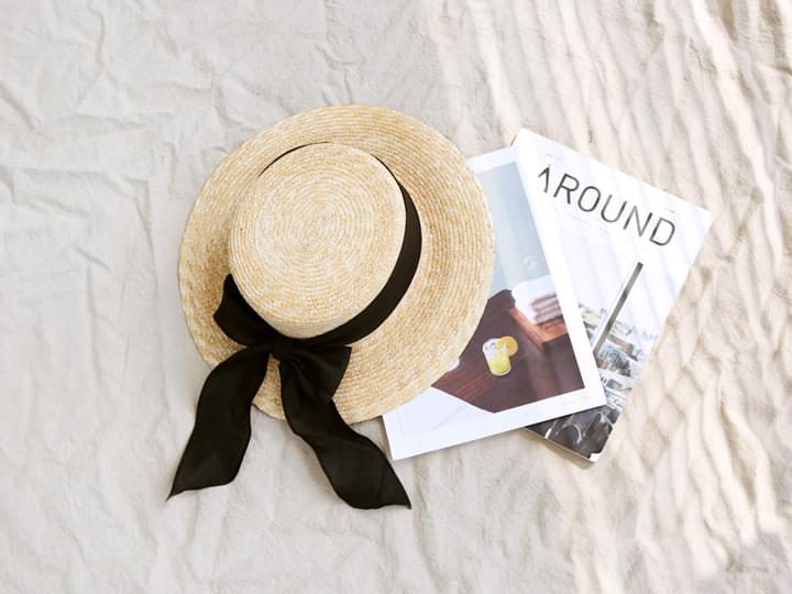 BLACK BOW STRAW HAT