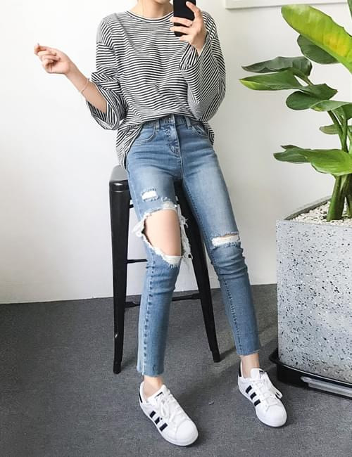Jelly or torn date pants