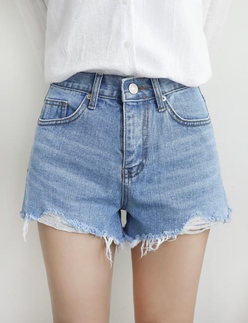Pinki Denim Hot Pants