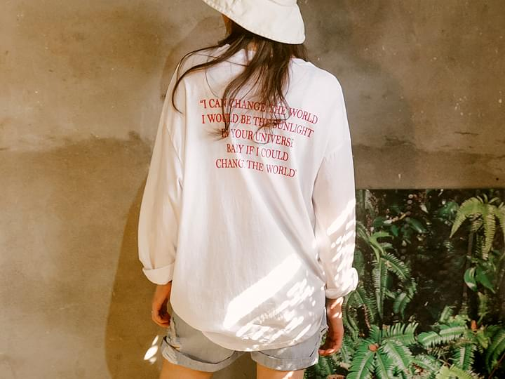 RED LETTERING LOOSE T
