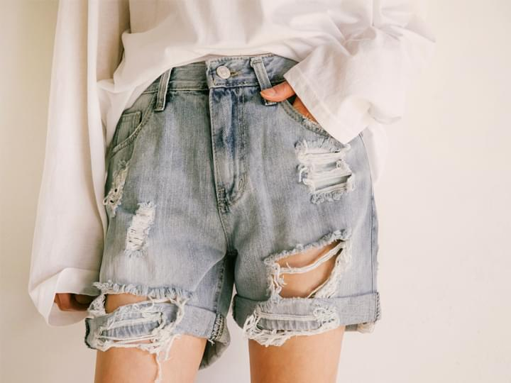 DESTROYED ROLL UP SHORTS