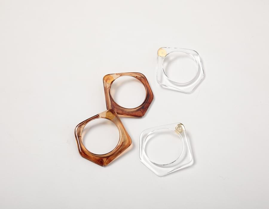 Clear pentagon earring_S (size : one)