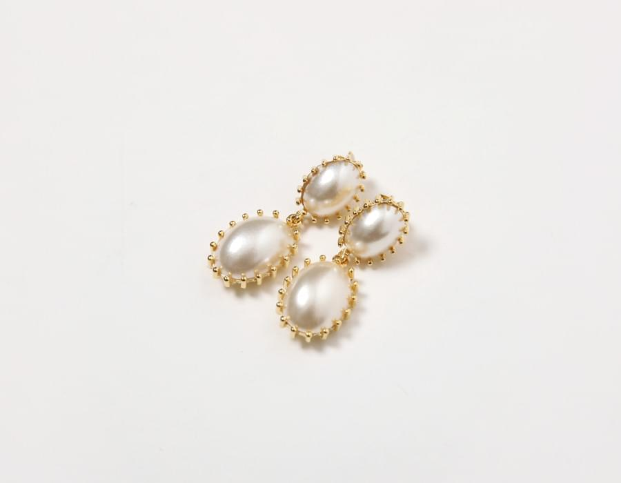 Patch pearl bold earring_M (size : one)