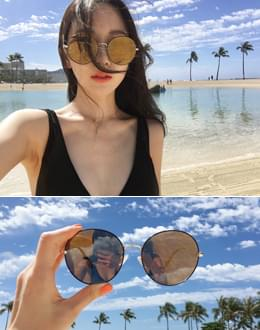 Evan s-glasses