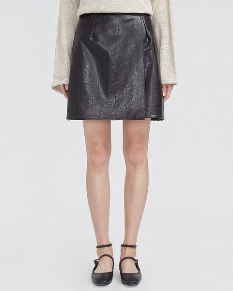 muse leather mini skirt (s, m)