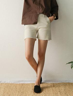 simple cutting half shorts