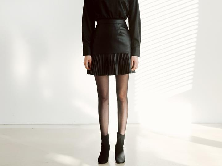 LEATHER PLEATS MINI SKIRT SALE