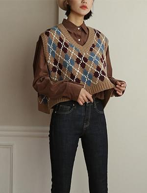v-neck argyle knit vest