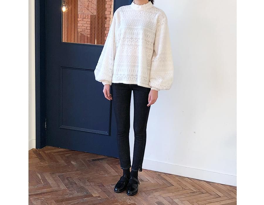 Petit warm lace blouse_K (size : free)