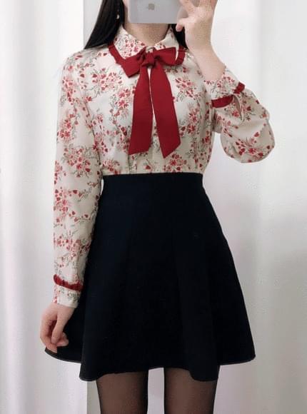 Marie ribbon flower blouse