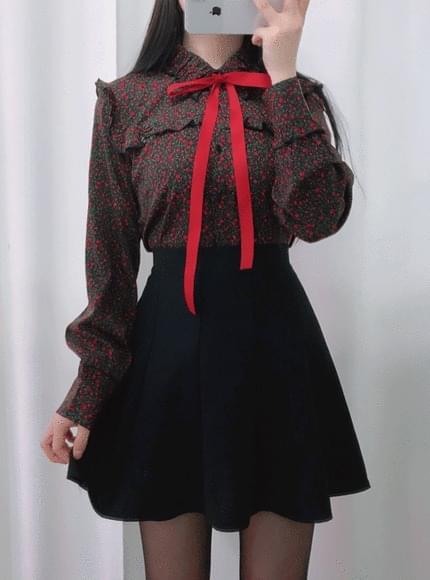 Rash flower ribbon blouse