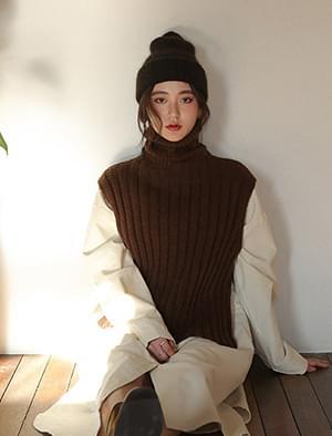 wool turtleneck knit vest