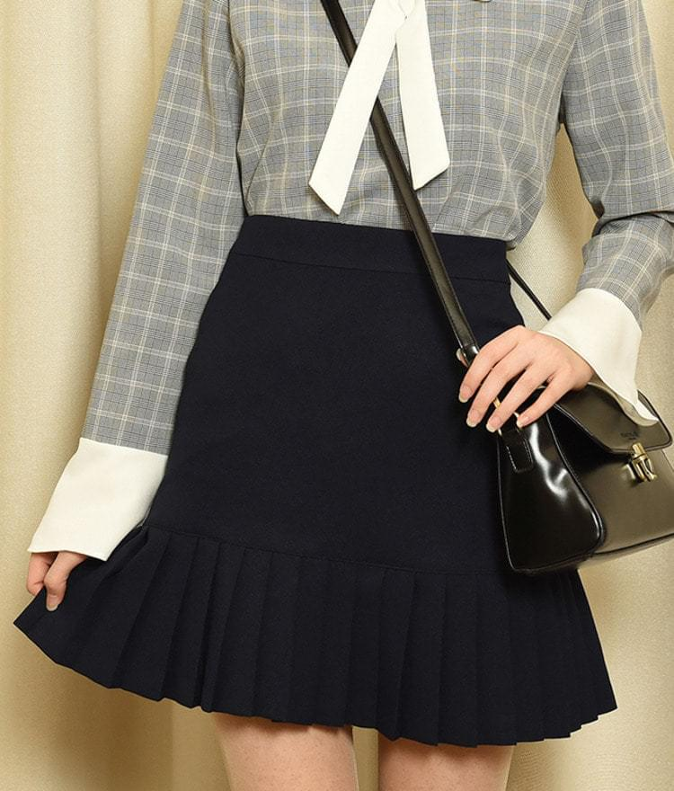 Pleat Hem Mini Skirt