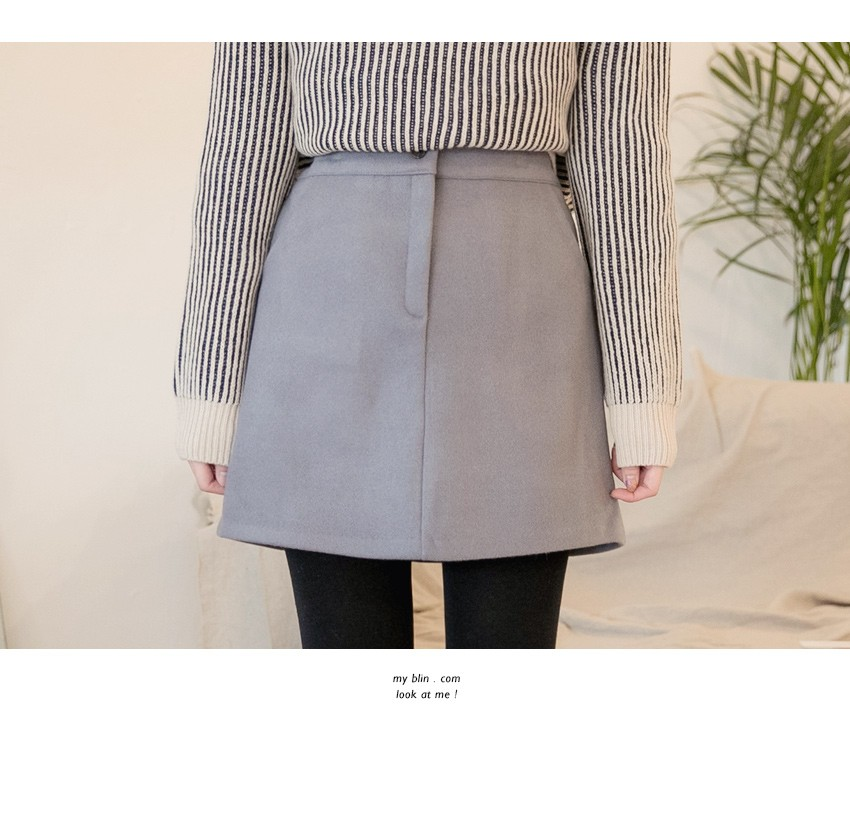 A thick skirt