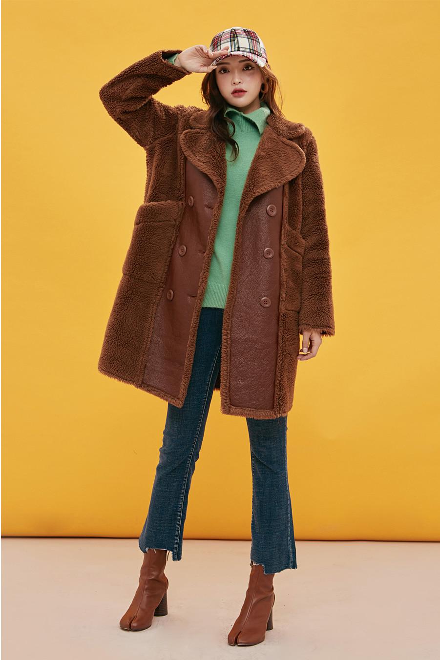 유연한 양털 무스탕 코트