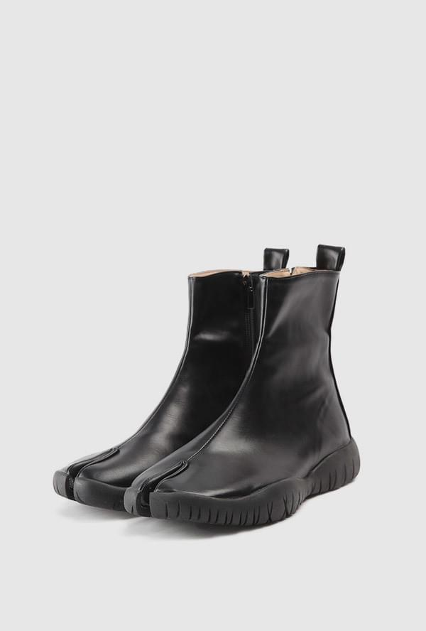 Muse Leather Ankle Boots