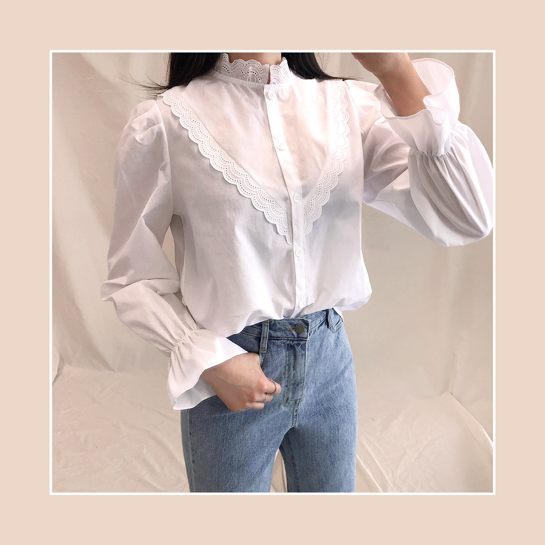 PUNCHING LACE BLOUSE