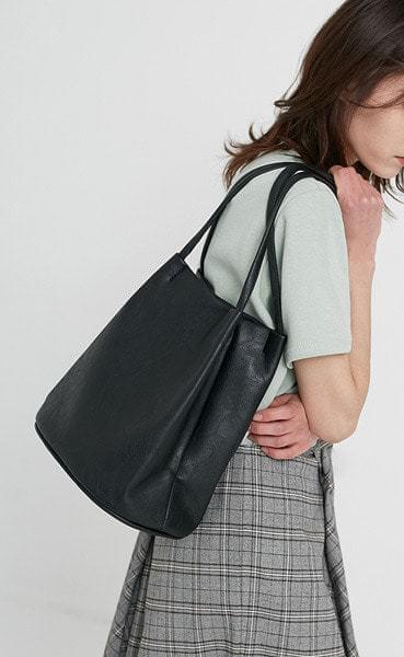 Black loose bucket shoulder bag