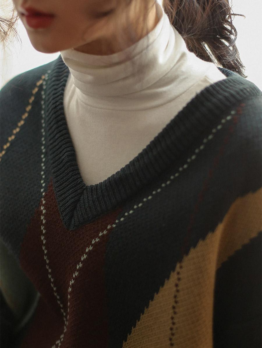 v-neck long sleeve argyle knit