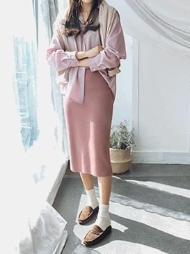 Three-legged skirt