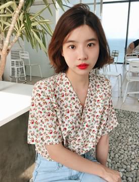 Rose flower v-neck blouse_M (size : free)
