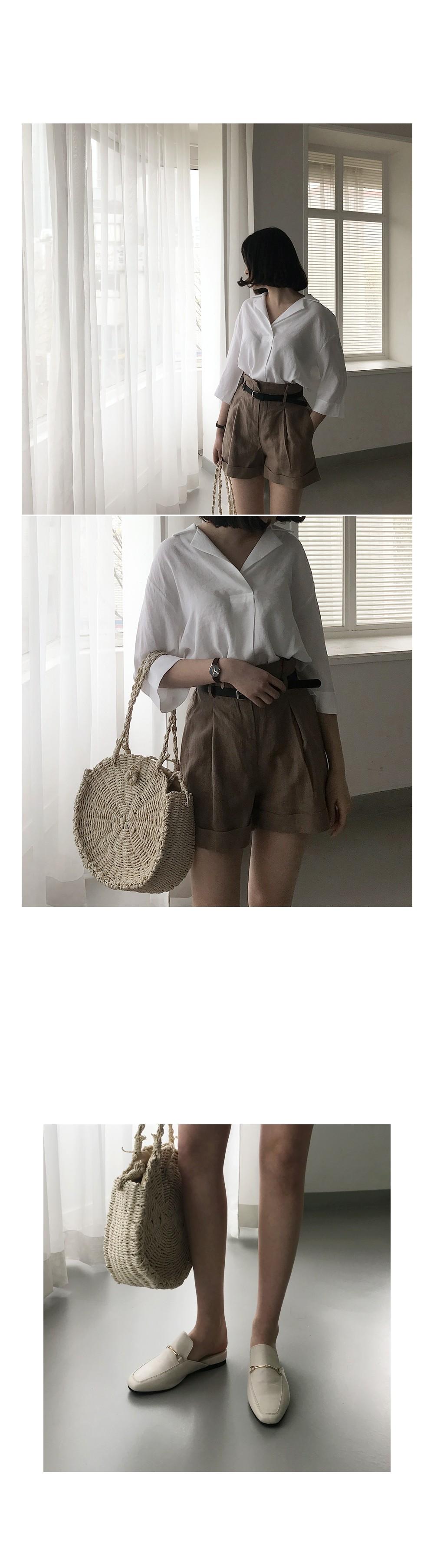 Flow loose-fit collar blouse