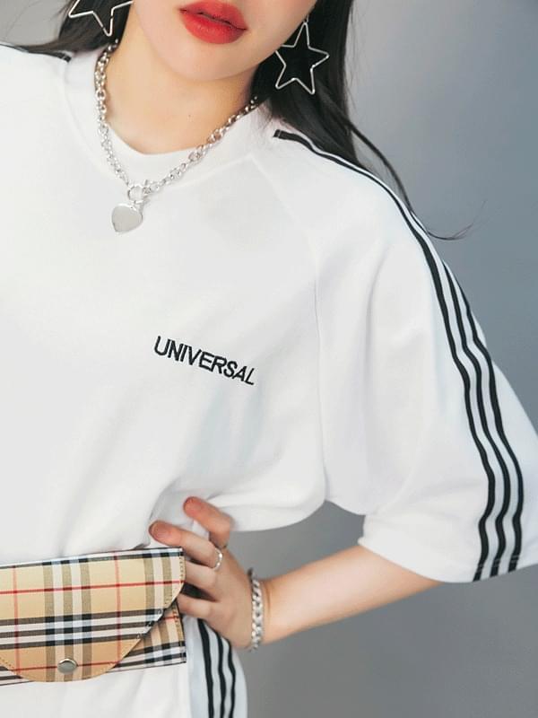 Unisex three short sleeve tee