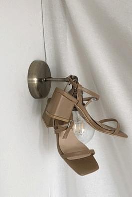 Combo strap heel