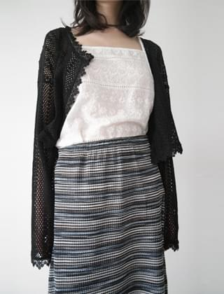 elaborate lace sleeveless