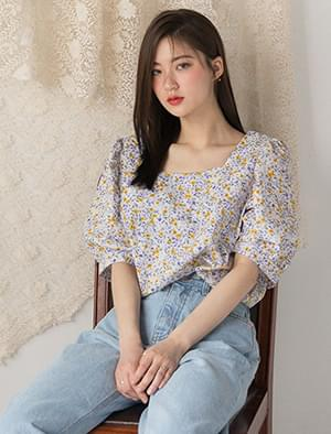 square neck flower pattern blouse