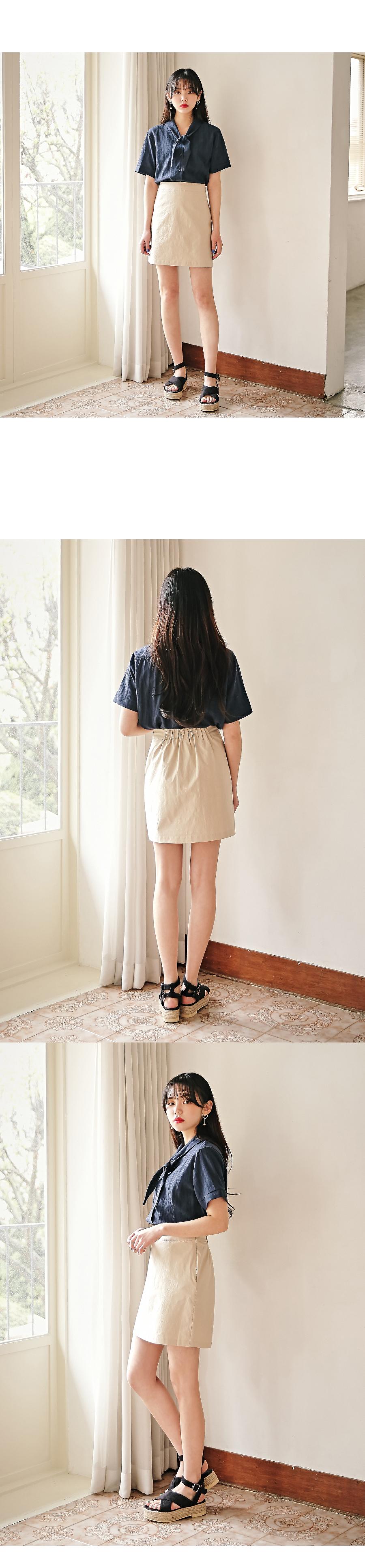 Yo-cut ribbon blouse