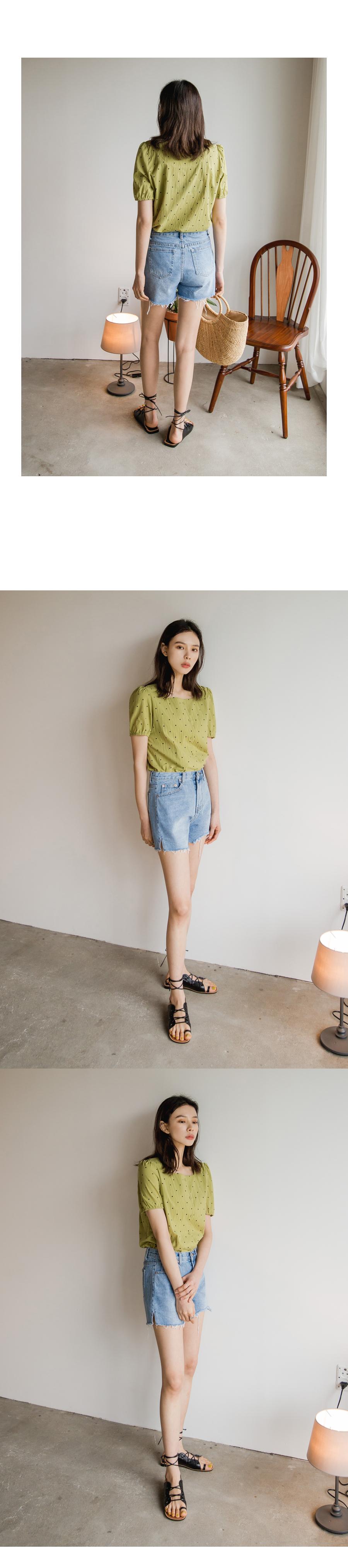 Square dot blouse