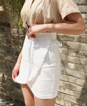 Linen ruffle mini skirt