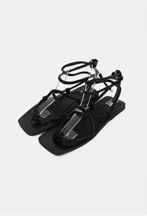 Rectangle string sandal