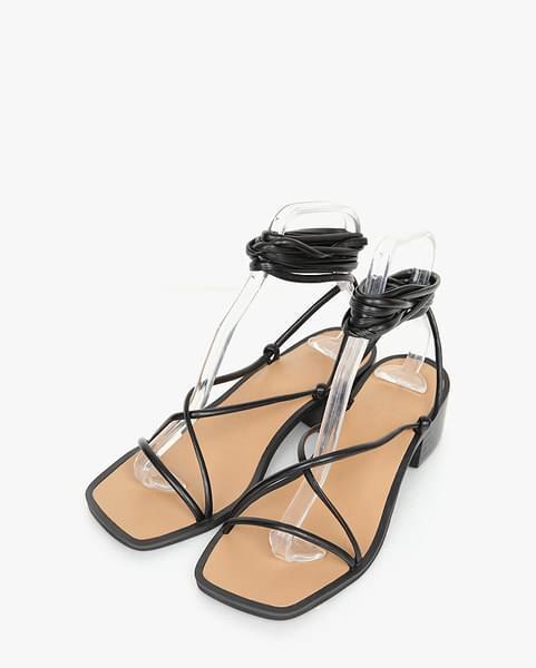 moca gladiator sandal (225-250)